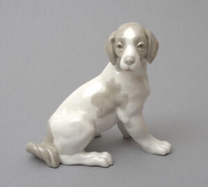 Nao-by-Lladro-Porcelain-Figurine-Sitting-Dog-57