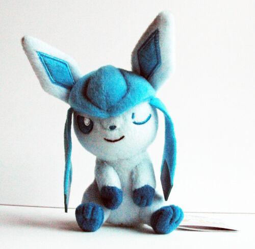 Time Series Glaceon Relax BANPRESTO Pokemon Plush Doll Kutsurogi Glacia