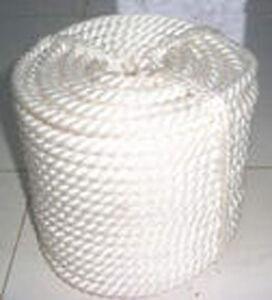 "1/2""x50' Twisted Three Strand Nylon Rope Thimble"