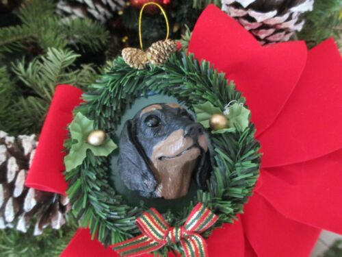 DACHSHUND BLACK    CHRISTMAS ORNAMENT  WREATH