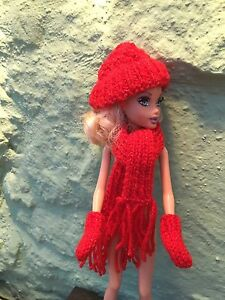 Barbie-Sindy-Clothes-Hand-Knit-Sparkly-Red-Mitts-Scarf-amp-Hat-Set-New