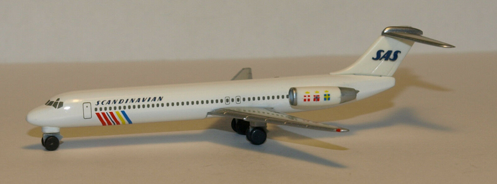 Herpa Wings Wings Wings 1 500 SAS Scandinavian McDonnell Douglas MD-87 id 506007 rlsd 1996 87d40b