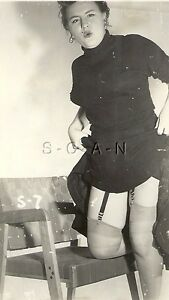 Original Vintage 1940s-60s Risque Pinup Photo- Well