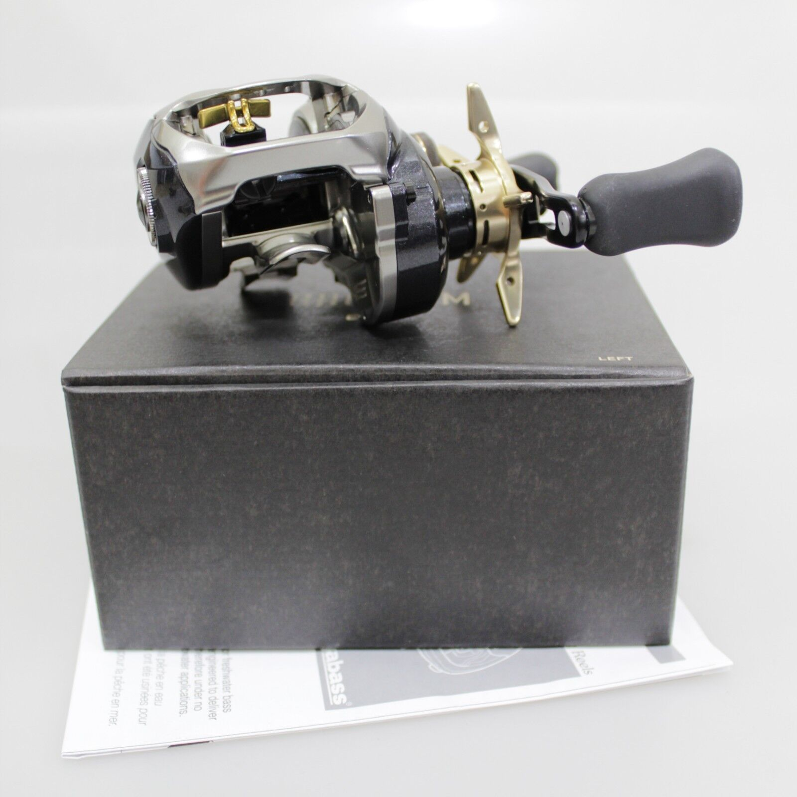 MEGABASS RHODIUM 63 Left Baitcasting Reel Fedex Priority 2days to Usa