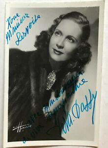 Deva-Dassy-Oper-Theater-original-Autogramm-Groesse-15-x-10-cm