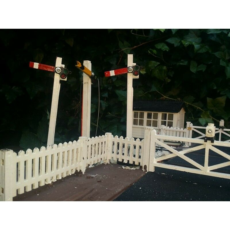 PAIR SEMAPHORE SIGNALS SIGNALS SIGNALS LED LAMPS.FOR GARDEN RAILWAY 7 8th SCALE be54a5