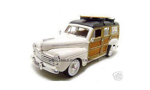 1948 Ford Woody Con Tabla De Surf Crema 1 18 Diecast Modelo Coche por carretera firma 20028