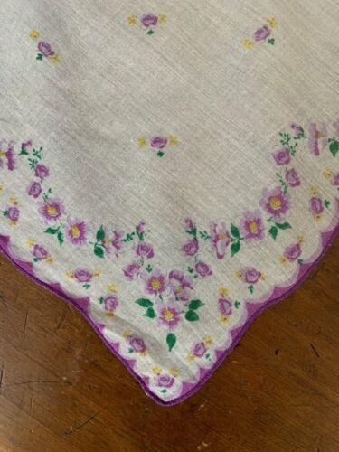 Vintage 1940's Delicate Purple Pansy Rose Print Ha