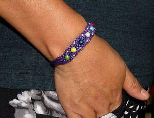 Perlen-Armband-Armschmuck-Damenarmband-lila-Armbaender-Vintage-Neu