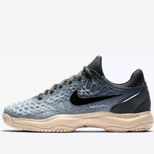 more photos d5fa4 bab29 Image is loading Nike-Air-Zoom-Cage-3-HC-Women-039-