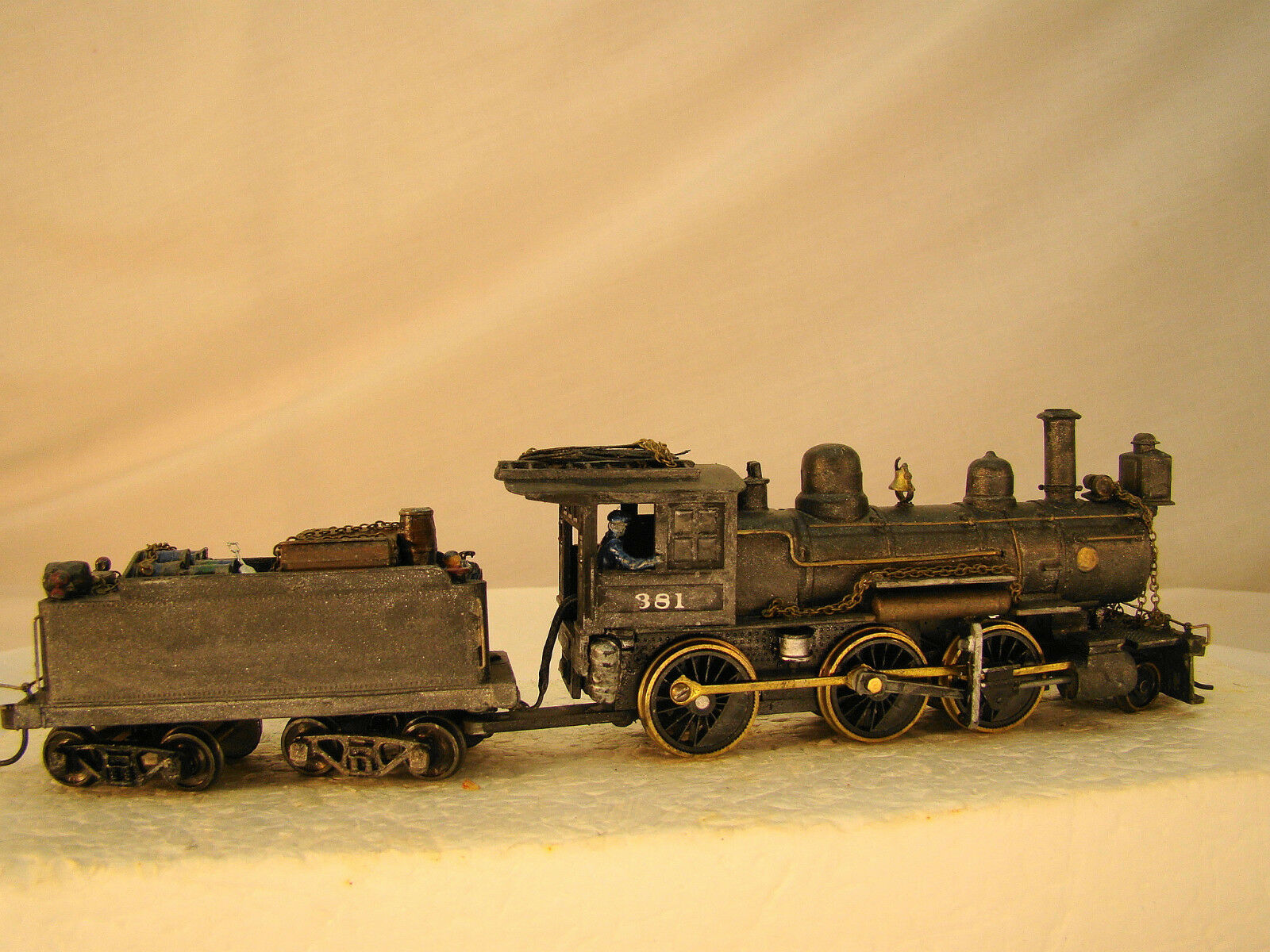MDC   Logging Steam Locomotive - custom weatherosso - 100% restorosso - HO scale