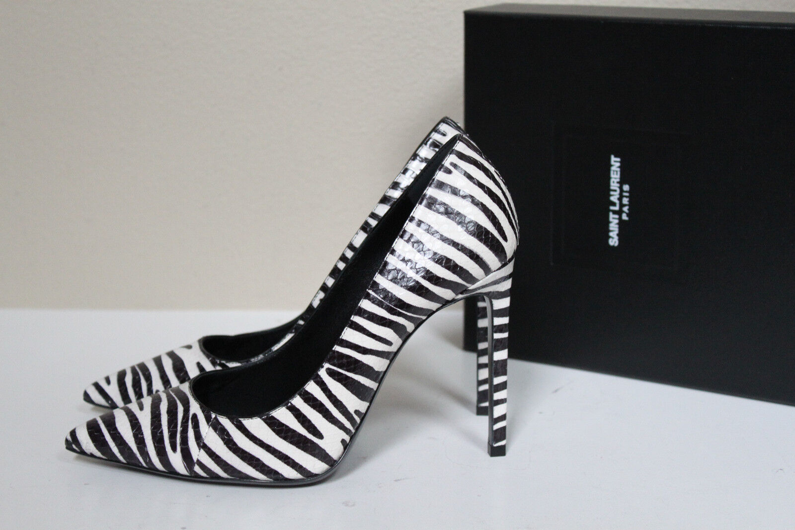 sz 6 / 36 Saint Laurent Classic Paris Zebra Python Leather Point Toe Pump Shoes