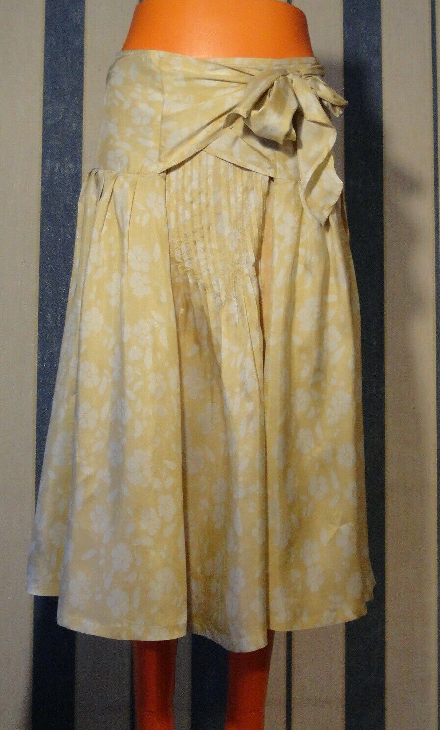 NWT Dries Van Noten beautiful silk skirt 36 Fr 4 6 US  1550CHF