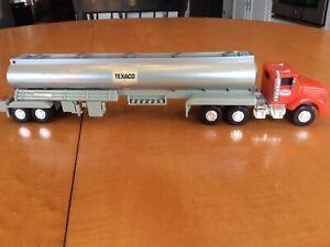 1975 Texaco Toy Tanker Truck (1995 Edition)
