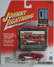 Johnny Lightning - ´61 / 1961 Chevy Corvette Cabrio rot/weiß Neu/OVP