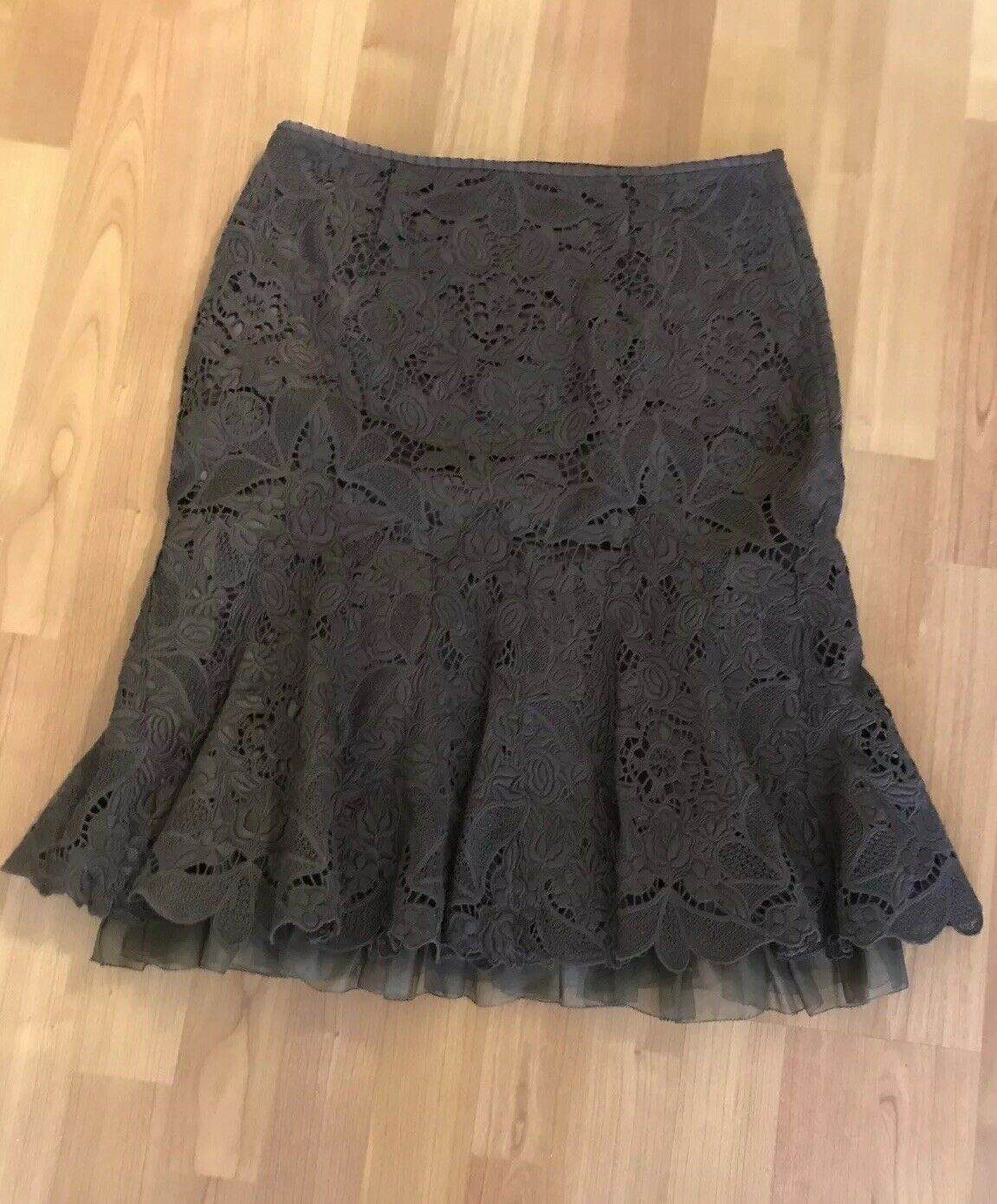 Elie Tahari Lace Skirt  Brown  Size 2  Excellent condition
