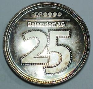 Beiersdorf-AG-Silber-Medaille-034-In-Anerkennung-Ihrer-Mitarbeit-in-25-Jahren-034-PP