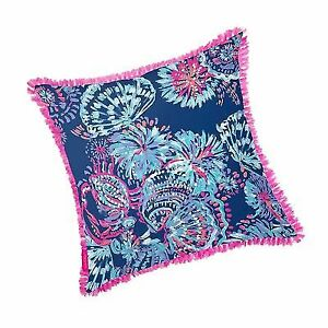 137f4827addb38 Lilly Pulitzer Indoor/Outdoor Large Decorative Pillow Gypsea Girl ...