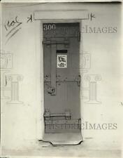 1922 Press Photo Cell at San Quentin Prison w/ 4th Liberty Loan Subscriber Sign