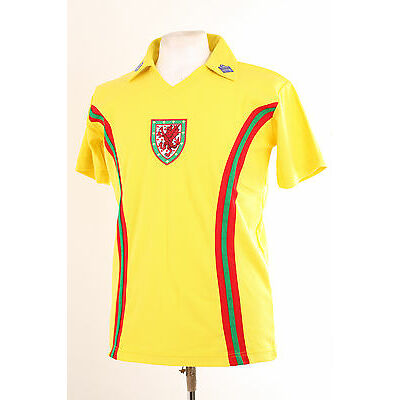 WALES YELLOW AWAY RETRO 1970'S FOOTBALL SHIRT LARGE L EURO 2016