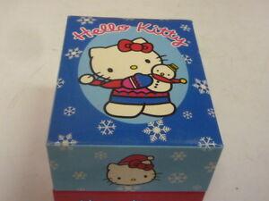 New-in-Box-Sanrio-Hello-Kitty-de-Flocons-de-Neige-Joyeuses-Fetes-Bracelet-montre-avec-boite