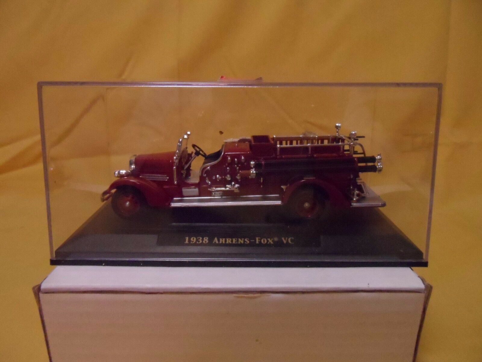Road Signature - 1938 AHRENS-FOX VC FIRE ENGINE
