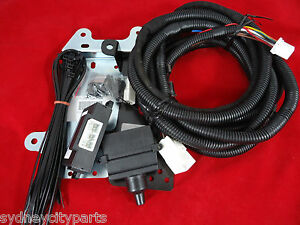 toyota landcruiser 200 series towbar wiring harness 7 pin flat july rh ebay com au prado trailer wiring harness