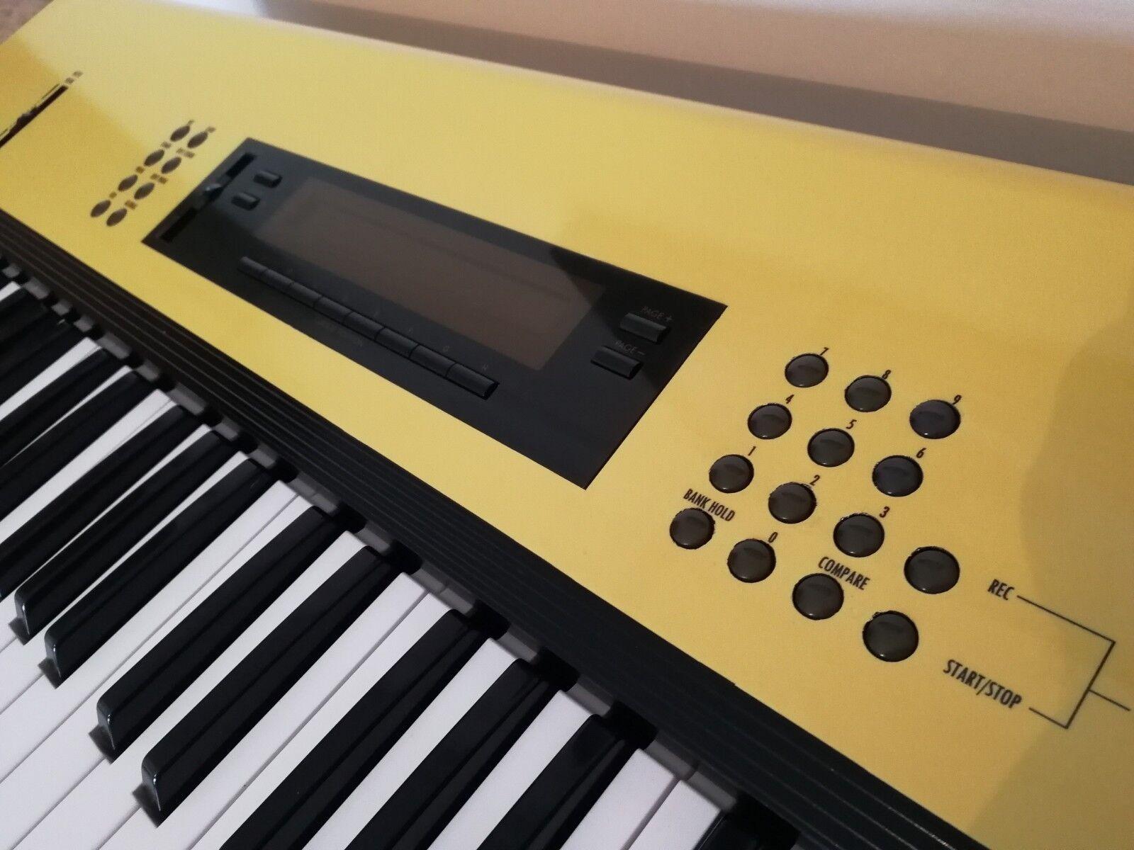Envoltura de Vinilo Korg M1 teclado da una nueva mirada a un teclado M1 clásico 73577e