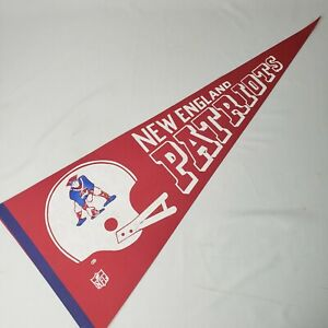 Vtg-1970s-New-England-Patriots-Felt-Pennant-30-034-Red-White-Blue-2-Bar-Helmet-NOS