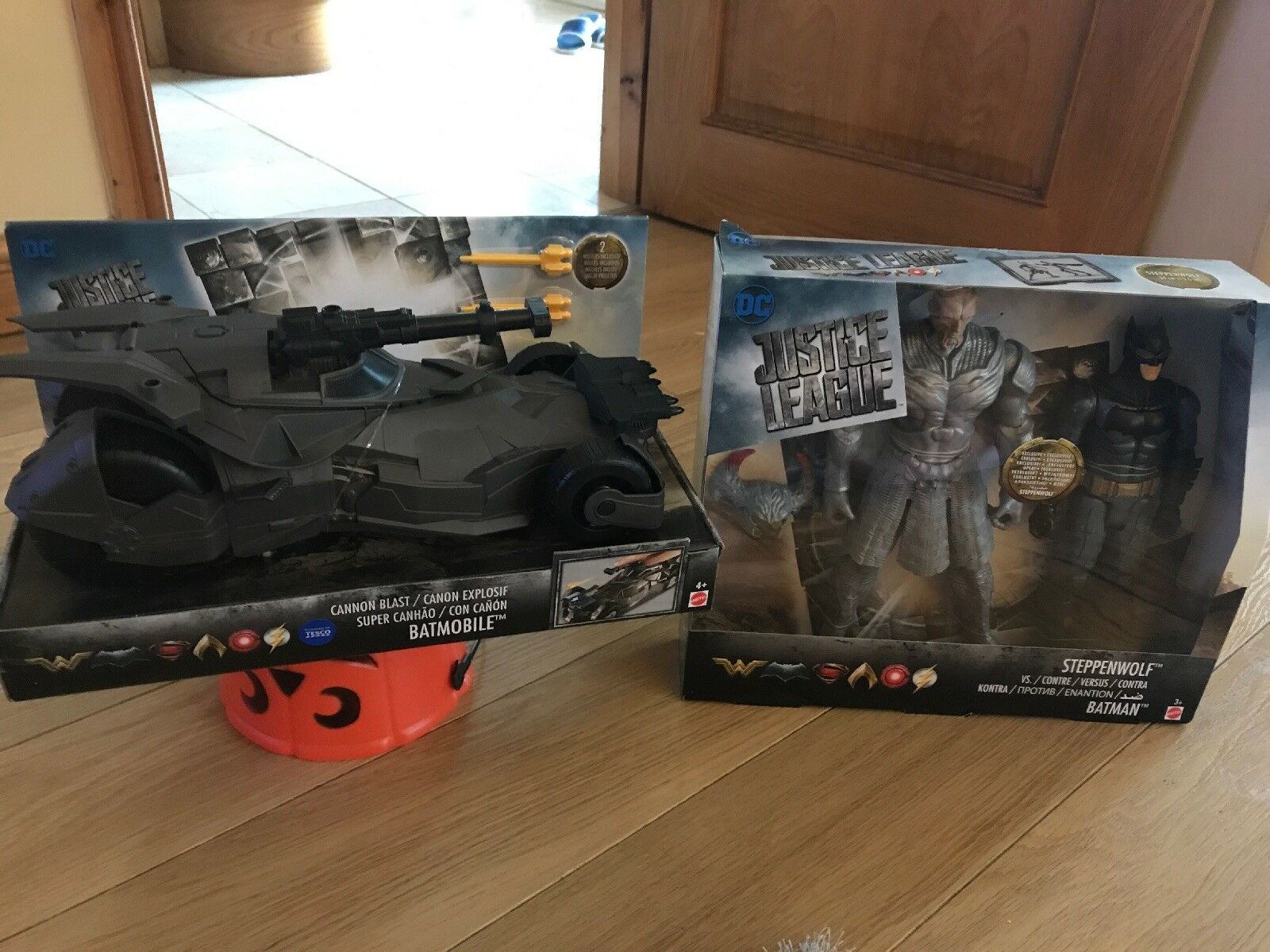 Justice League Batmobile  And steppenwolf And Bat Man Set