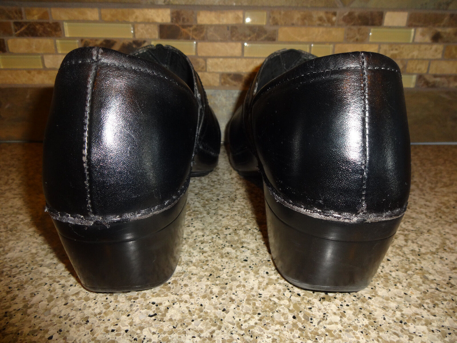 Donna Sz 41 US 10.5-11 Dansko nero Leather Leather Leather Slip-on scarpe Button Detail 8d71b9