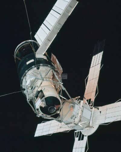 AA-087 PICTURES OF SKYLAB TAKEN DURING RENDEZVOUS ON SKYLAB 3  8X10 NASA PHOTO