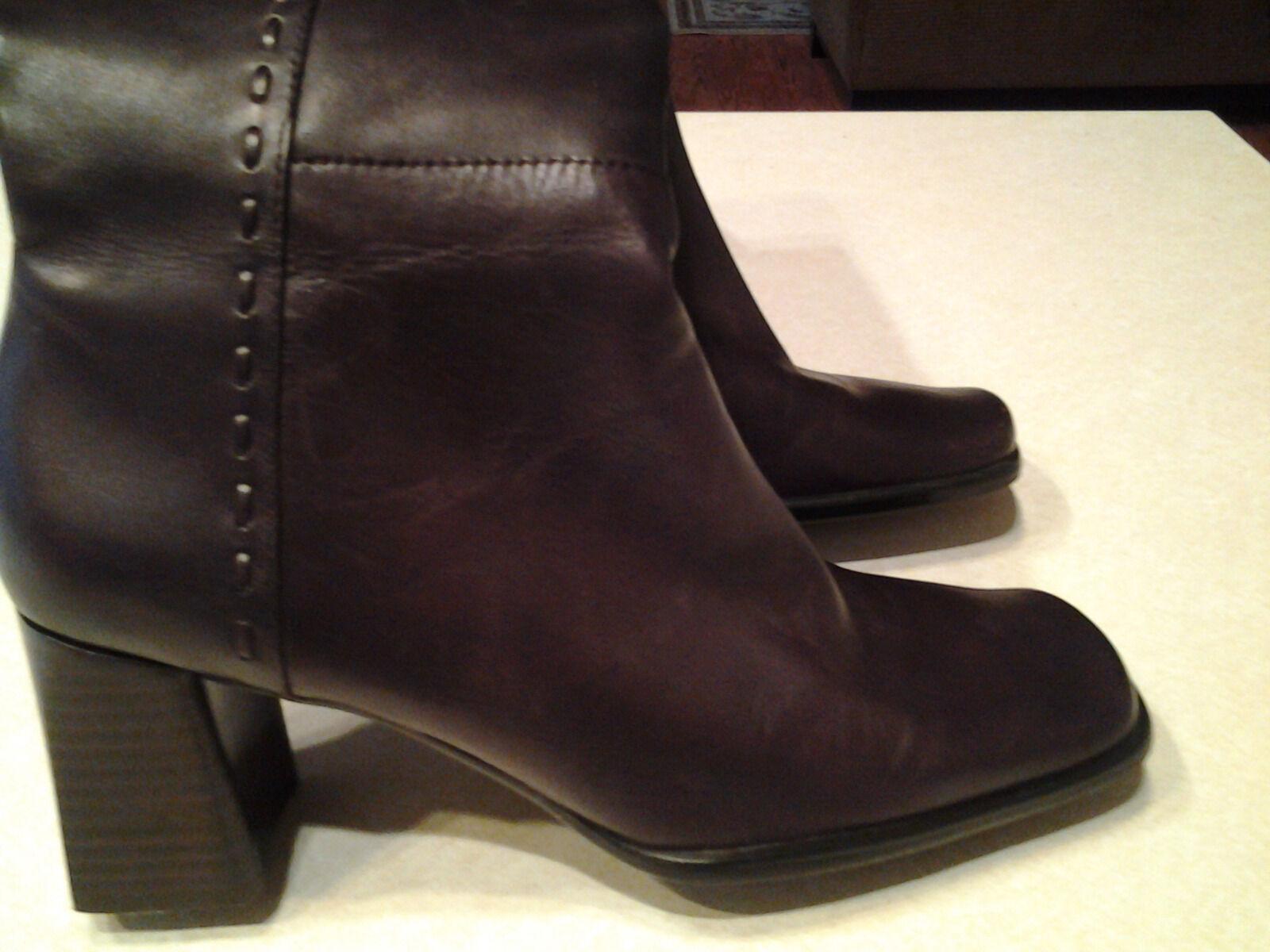"Bandolino women's leather knee high boots 3"" high heels side  zipper Brown 8.5M"