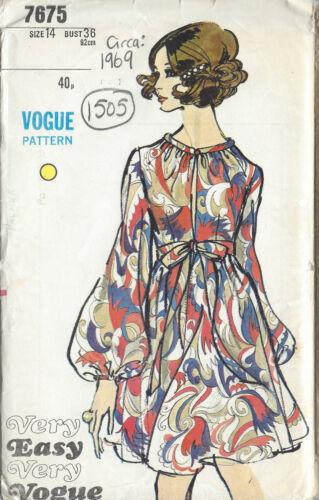 1969 Vintage VOGUE Sewing Pattern DRESS B36 1505