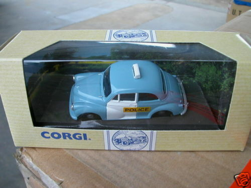 1/43 CORGI CLASSIC MORRIS MINOR SALOON POLICE GREAT LOOKING MODEL CAR  #96744