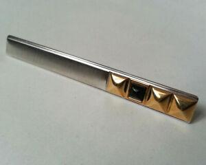 Pince à cravate de style contemporain en métal couleur or noir argent