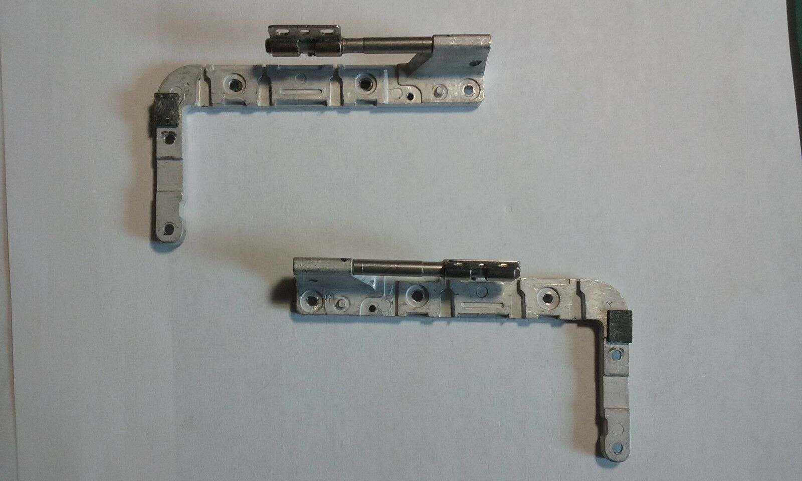 (GRADE A) - Genuine OEM Hinge Assembly(Right/Left Pair)Set--Apple A1181 Macbook