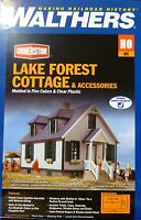 Walthers Ho 933-3657 Lake Forest Cottage W/accessories -- Kit - (building)w/led