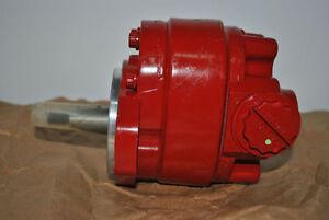 1272258C92 Case Axial Flow 1670 HEADER LIFT PUMP