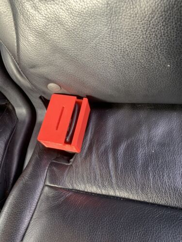 X2 Car Seat Belt Buckle Guard Child Protect Lock Guard Baby Secure Safe Key RED
