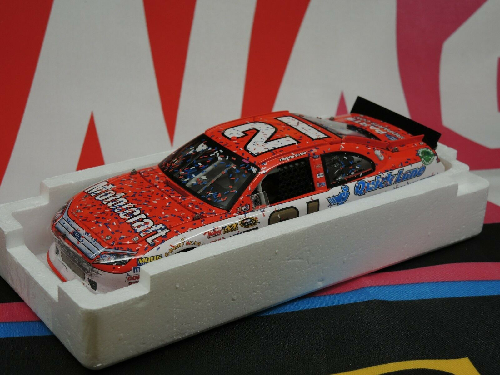 Trevor Bayne  21 Motorcraft Daytona 500 Win  2011 FUSION 1 24 Elite  haute qualité authentique