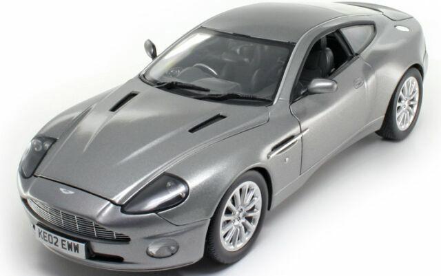 Joyride James Bond 007 Aston Martin Dbs Casino Royale Daniel Craig 1 18 Günstig Kaufen Ebay