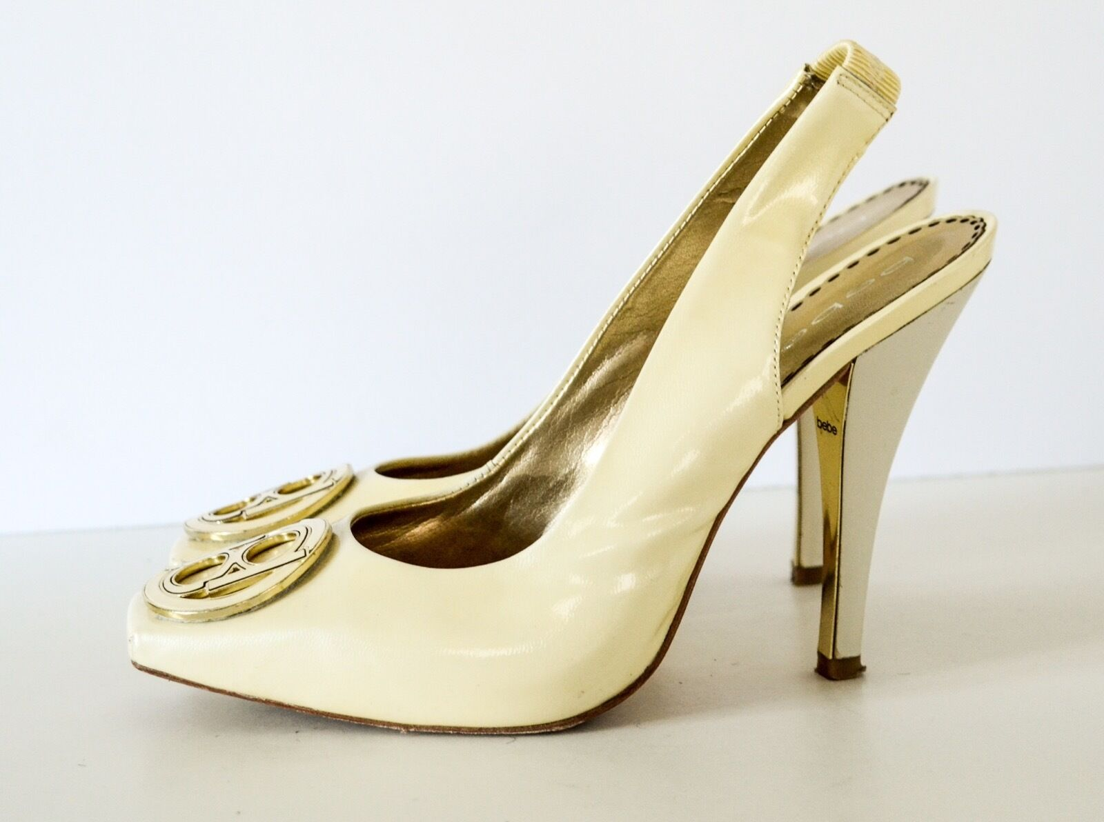 Bebe Yellow Patent leather Square Toe Slingback pumps 7B