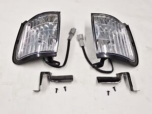 HOLDEN-TF-RODEO-NEW-PAIR-OF-FRONT-CORNER-PARK-LAMP-LIGHTS-2001-2003