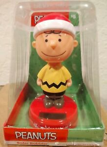 Peanuts Charlie Brown in Santa Hat Christmas Solar Bobble Head