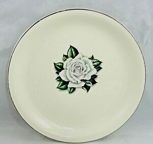 Homer-Laughlin-Rhythm-White-Rose-Salad-Plate-7-25-034-1950-039-s-Debutante-Shape-USA