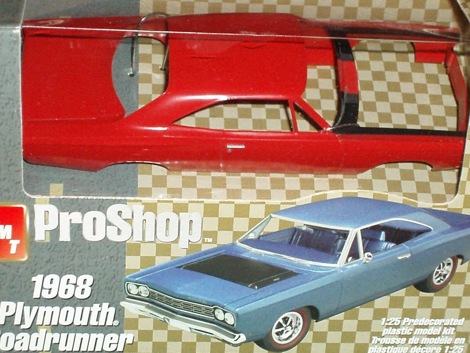 AMT PRO SHOP 1968 PLYMOUTH ROAD RUNNER 1 25 PREPAINTED PREPAINTED PREPAINTED PLASTIC MODEL KIT 1c3290