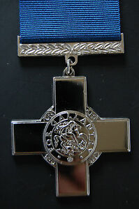 SILVER-GEORGE-CROSS-A-STUNNING-MEDAL