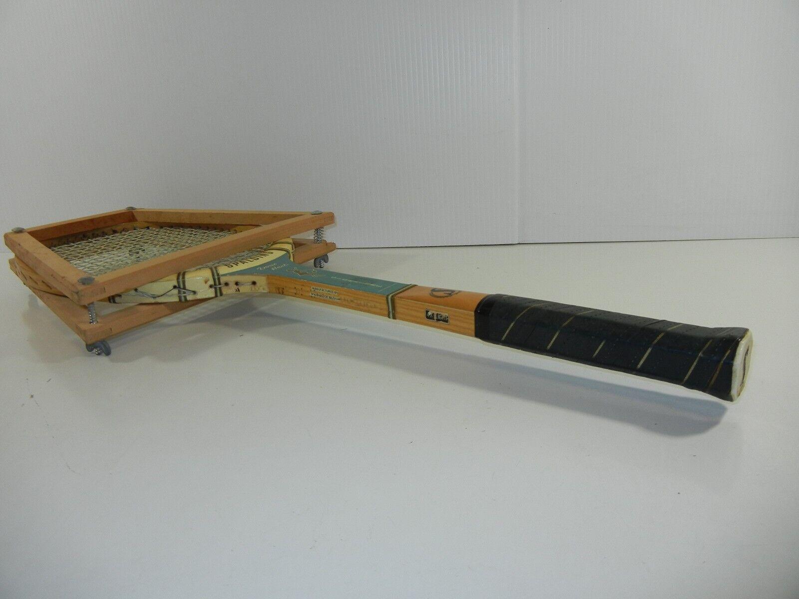Vintage  DORIS HART  SPALDING SIGNATURE MODEL WOOD TENNIS RACQUET-USED