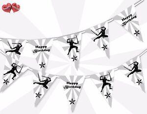 Photographie-noir-et-blanc-Ninja-Joyeux-Anniversaire-sur-le-Theme-Bunting-Banniere-by-Party-Decor